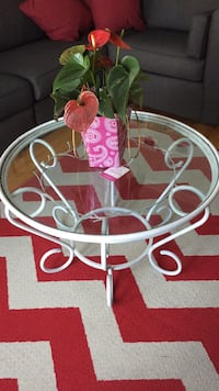 Solid steel white table Laval, H7L 5Y7