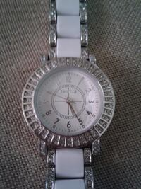 $50***RETAIL $95+Tax**NEW - GIFTABLE**LADIES DEAUVILLE CRYSTAL WATCH - 55-1029WTWT , WHITE - SILVER