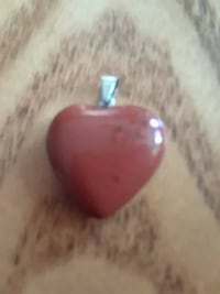 Brand new gourgeous semi-precious stone heart pend Baltimore, 21206