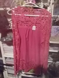 FUCHSIA LACE GREAT SUMMER BLOUSE Duncan, V9L 5W4