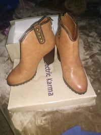 NEW LOW CUT BOOTS Los Angeles, 90744