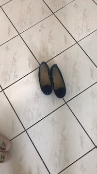 pair of black leather slip-on shoes Surrey, V3W