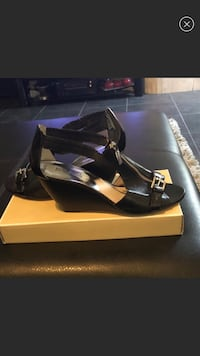MK black leather open-toe wedge sandals! Henderson, 89012