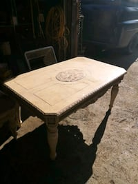 Lovely coffee table and side stand