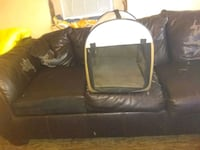 black and white pet carrier 367 mi
