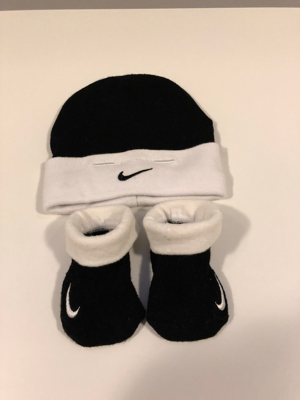 Used Baby Nike socks and hat for sale in Port Coquitlam - letgo 2e4493dea8f