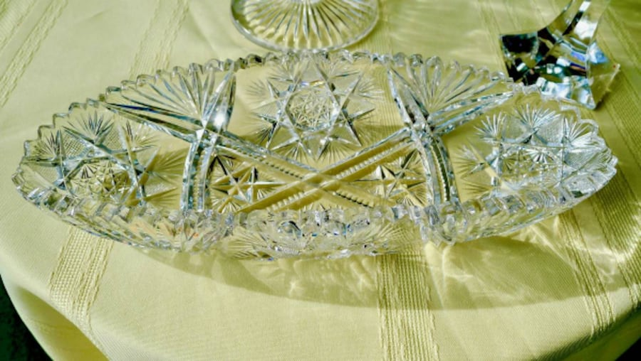 Beautiful Vintage (20's) America Cut Glass Crystal Bowl c10476a2-0bc3-4e38-ba57-4339bb6cc136