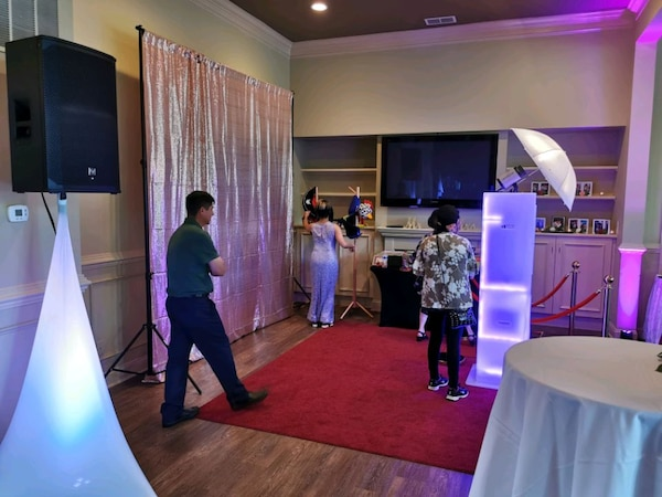 DJ and Photobooth Services  029855c7-0490-4a1b-96a4-8640722e07db
