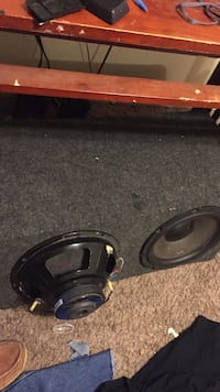 Black and gray subwoofer speaker come with rockfrgates 900 Watts Hillview, 40229