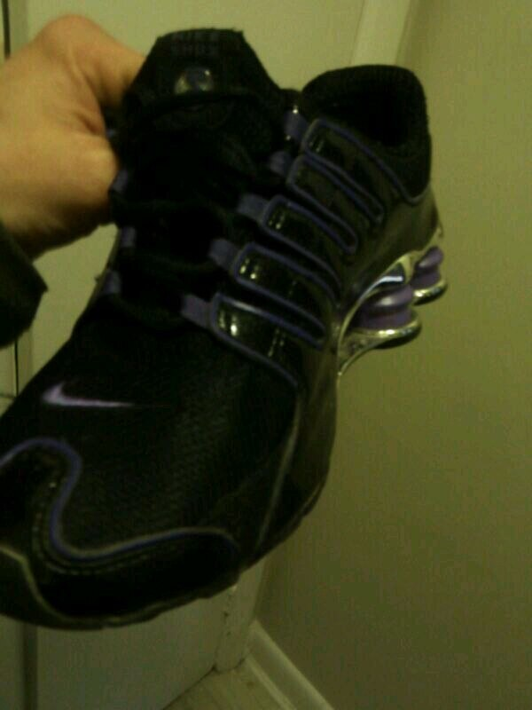 Womens Nike shox nearly used size 8