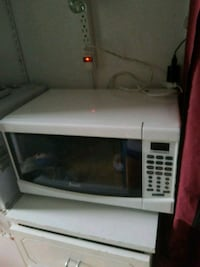 white microwave oven Plantation, 33324