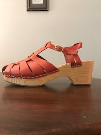 Leather Wooden Clogs Annandale, 22003