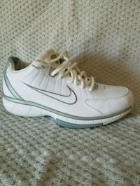 Nike Air formidable low size 9.5 Frederick, 21701