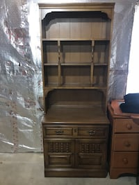brown wooden desk with hutch Forest Hill, 21050
