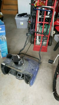 Only used a few time.electrical snow blower .  Hamilton, L9K 1K5