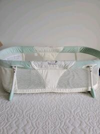 Baby sleeper basinette crib Surrey, V3S 1C2