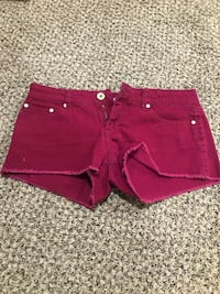 women's red denim short shorts