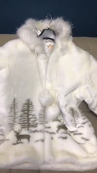 Never Worn- White and black fur jacket  Greater Sudbury / Grand Sudbury, P3Y 1N2