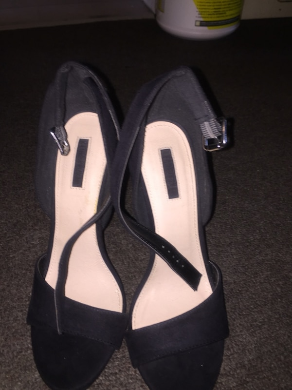 2a17c9e4dfd8 Used Forever 21 black heels for sale in Toronto - letgo
