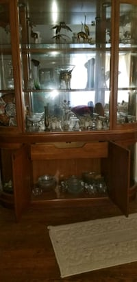 Hutch wood and glass 2 pieces versatile Chesapeake, 23324