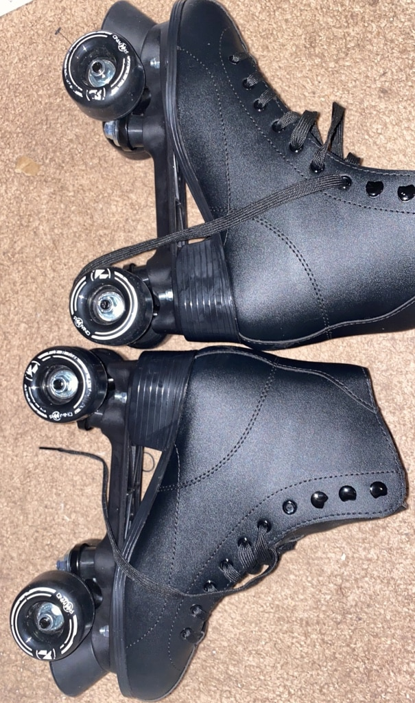 Photo Roller skates size 9 mens