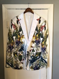 Men's floral printed blazer size 56 fits like XL