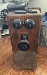 Antique wood telephone Brownsville, 78520