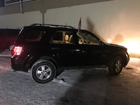 Ford - Escape XL - 2010 Kitchener, N2A 1M7