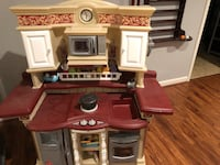 Kids kitchen with cook top noise, phone and working clock. Some accessories included  Vienna, 22181