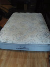 white and gray floral mattress Tallahassee, 32304