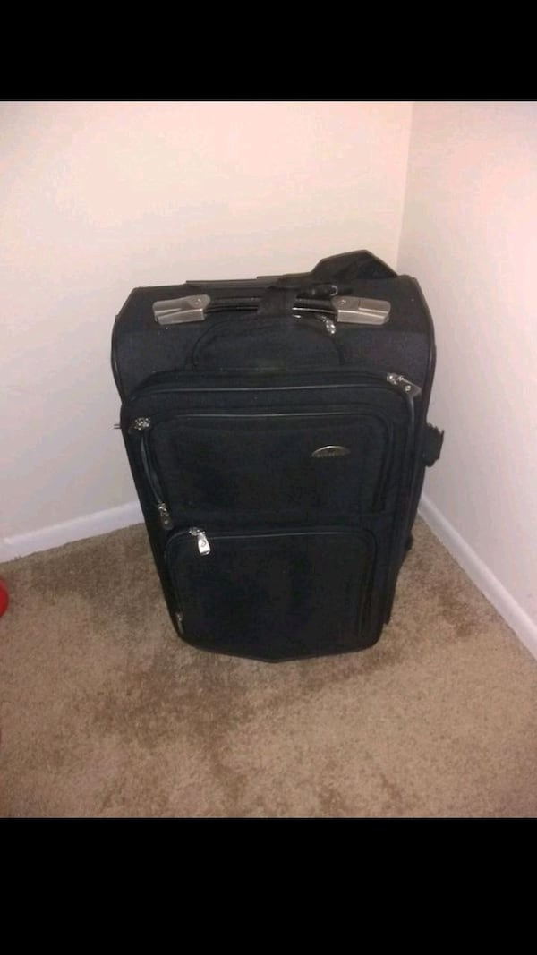 Carry on Luggage on Wheels 7d4793a9-3989-452d-a2d6-79a29c31f89a