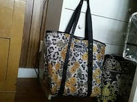white and black floral tote bag Honolulu, 96819