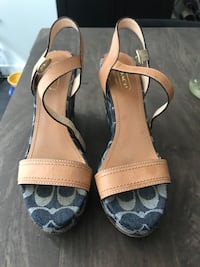 Coach Wedge Sandals Vancouver, V5X 0E5