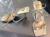 Pair of silver-colored open-toe heeled sandals Troutdale, 97060