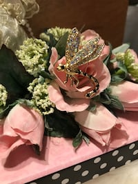 Pretty! Vintage Gold Bee Pin/ Brooch with tiny diamond  crystal stones Gainesville, 20155