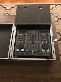 Black xone dx dj turn table with case - excellent condition!  New York, 10021