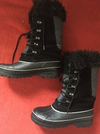 pair of black leather boots Guelph, N1G 4M9