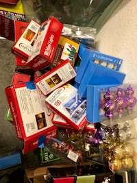 Assorted Christmas toys and lights in box Орландо, 32821