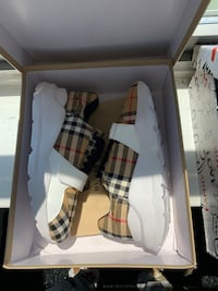 Burberry shoes Women's size 8 Chicago, 60606