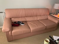 MINT CONDITION LEATHER COUCHES  Vaughan, L6A