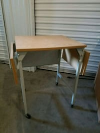 Typewriter table with expandable top