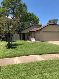 Great HOUSE For for 2-4 family members! 2 Bedroom, 1 bath...VERY CLEAN AND FRESH UPDATES. NO PETS Sugar Land, 77478