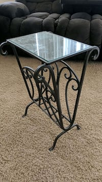 Glass top end table for magazines Mesa, 85212