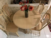 Extendable Dining Table  Mississauga, L5N 7T7