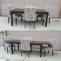 Gorgeous Extendable Dining Table With 2 Leaves & 4 Patterson, 95363