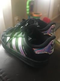 Baby Shoes Adidas Superstar size 5 Mercedes, 78570