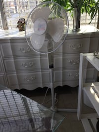 white pedestal fan Winnipeg, R3E 0A8