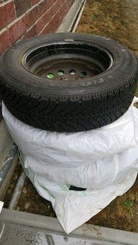 black auto wheel with tire set Bradford West Gwillimbury, L3Z