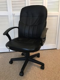 Black leather office rolling chair Fairfax