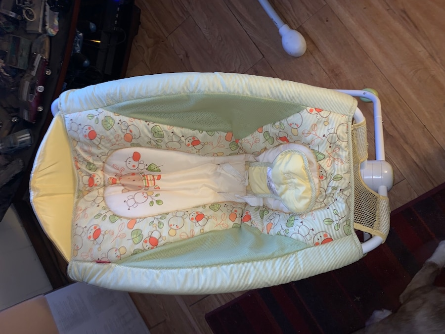 Photo Fisher price bed